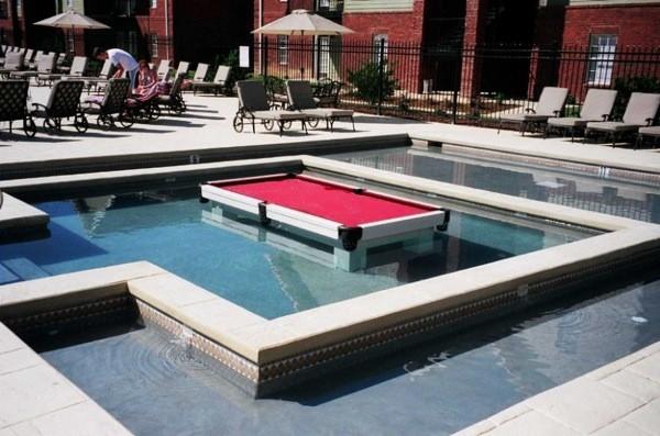 Table de billard pour piscine for Table de piscine