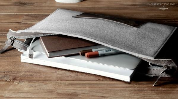 Pochette pour ordinateur portable en laine et cuir, par Hard Graft