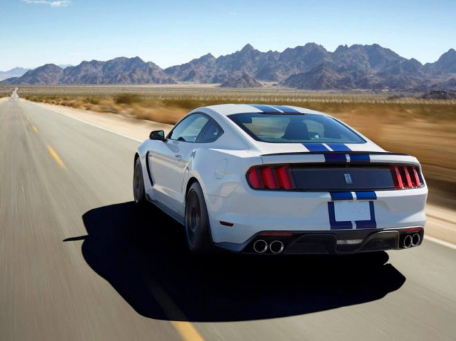 Ford Mustang Shelby GT 350 - 2