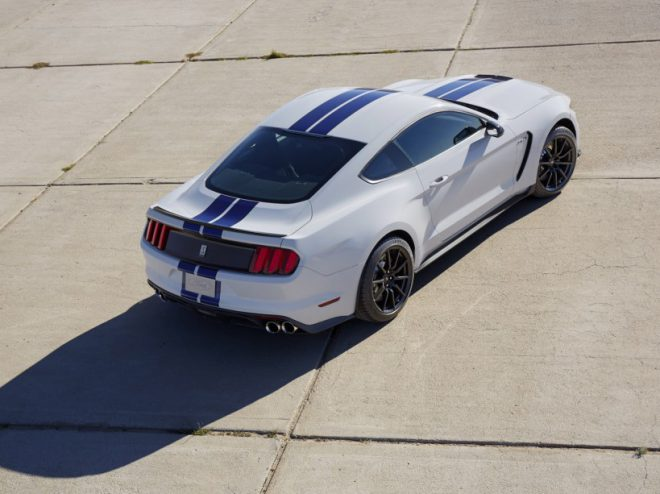 Ford Mustang Shelby GT 350 - 4