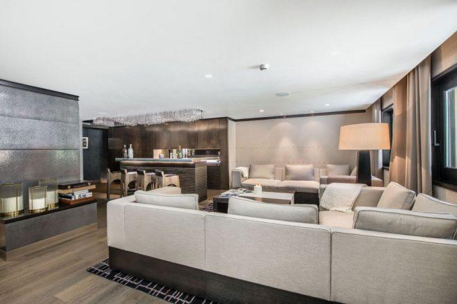 a courchevel le chalet de luxe perce neige vous accueille. Black Bedroom Furniture Sets. Home Design Ideas
