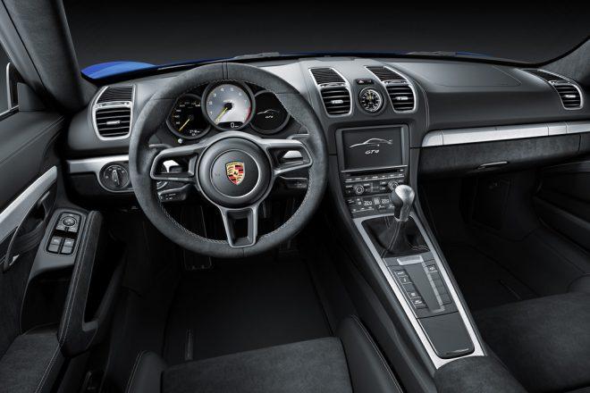 Porsche Cayman GT4 - 7