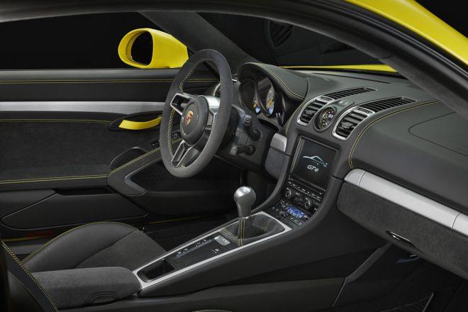 Porsche Cayman GT4 - 8