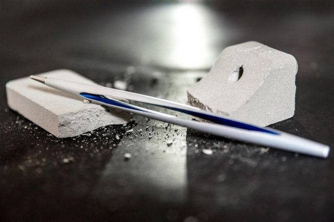 L'entreprise italienne d'instruments d'écriture innovants, Napkin, s'est alliée une nouvelle fois avec l'entrepriseitaliennede design, de conception et de production devéhicules automobiles Pininfarina. Les deuxproposent un stylo qui sort de l'ordinaire, aussi bien au niveau de son style que de la technologie : le Forever Pininfarina AERO. Comme son nom l'indique, ce stylo présente l'avantage d'être […]